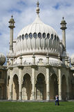 Lovers kiss brighton pavillion Stock Images