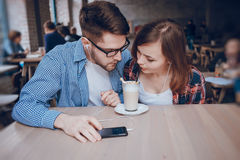 Loving couple in a cafe Royalty Free Stock Images