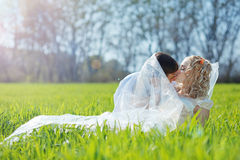 Loving wedding couple Royalty Free Stock Images