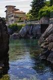Lovran老历史镇建立的海岸线的风景  库存图片