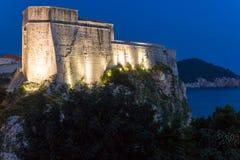 Lovrijenac forte alla notte dubrovnik La Croazia Fotografia Stock Libera da Diritti