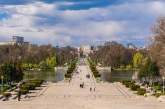 Lovsången parkerar i Bucharest Rumänien royaltyfria foton