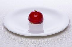 Low-calorie cake en rode aalbesbessen royalty-vrije stock foto