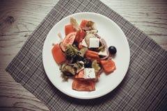 Low-calorie Griekse salade stock afbeeldingen