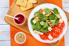 Low calories spinach, grilled chicken salad Royalty Free Stock Photography