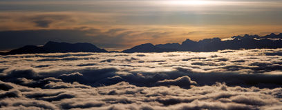 Low cloud in mountains Royalty Free Stock Photos