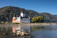 Low water in the Rhine river at Pfalzgrafenstein. Hessen, Germany stock image