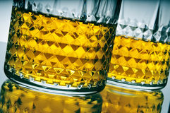 Lowball Gläser mit Whisky Stockfotografie