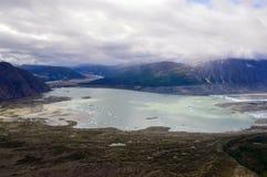 Lowell Glacier och sjö med isberg, Kluane nationalpark, Yukon Royaltyfri Foto
