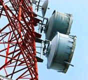 Lowen metar beskådar av telekommunikationar Royaltyfria Bilder
