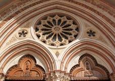 Lower Basilica di圣弗朗切斯科在Assissi,意大利 免版税库存照片
