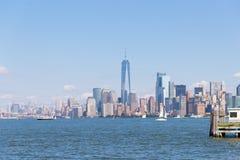 Lower Manhattan bij zonsondergang van Hoboken, New Jersey wordt bekeken dat stock foto's