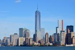 Lower Manhattan en Één World Trade Center Stock Foto's