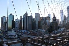 Lower Manhattan från den Brooklyn bron - New York Royaltyfria Bilder
