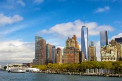 Lower Manhattan linii horyzontu widok od promu miasto nowy Jork Fotografia Stock