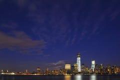 Lower Manhattan Sklyine met de Hemel Stock Foto's