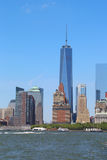 Lower Manhattan-Skylinepanorama von der Gouverneur-Insel Stockbilder