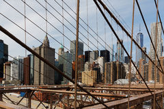 Lower Manhattan som beskådas från den Brooklyn bron, New York, USA Fotografering för Bildbyråer