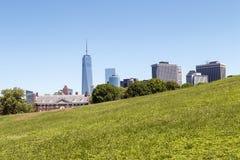 Lower Manhattan visto de la isla de los gobernadores en NYC Imágenes de archivo libres de regalías