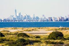 Lower Manhattan von Sandy Hook Stockbilder