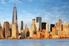 Lower Manhattan-Wolkenkratzer und ein World Trade Center, New York lizenzfreie stockbilder