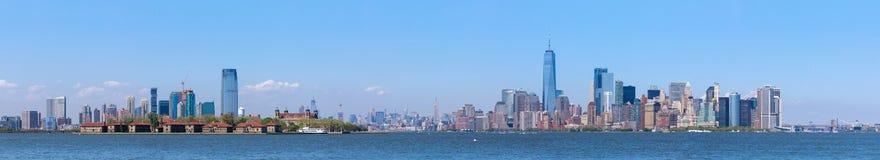 Lower Manhattanskyskrapor och en World Trade Center Arkivbilder