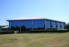 Lowrise Bürohaus Lizenzfreie Stockfotos