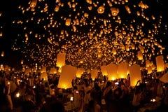 Loy Krathong och Yi Peng Festival Fotografering för Bildbyråer