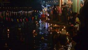 Loy Kratong Festival della Tailandia archivi video