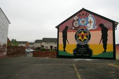 Loyalist murals on Hopewell Crescent, Lower Shankill, Belfast Royalty Free Stock Images