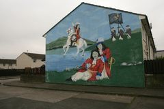 Loyalist murals on Hopewell Crescent, Lower Shankill, Belfast Stock Photos