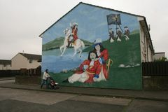 Loyalist murals on Hopewell Crescent, Lower Shankill, Belfast of William of Orange Stock Images