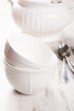 Loza blanca para la sopa fotos de archivo