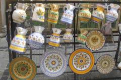 Loza de barro pintada a mano en Toledo, España Imagenes de archivo