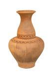 Loza de barro tailandesa, tarro antiguo aislado del fondo blanco Imagen de archivo
