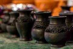 Loza de barro tradicional de la cerámica foto de archivo