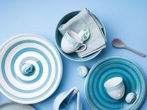 Loza de cerámica en colores pastel azul del vajilla imágenes de archivo libres de regalías