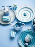 Loza de cerámica en colores pastel azul del vajilla fotos de archivo libres de regalías