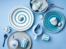 Loza de cerámica en colores pastel azul del vajilla foto de archivo libre de regalías