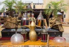 Loza en el restaurante árabe imagenes de archivo
