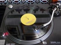LP sur la plaque tournante de rotation image stock