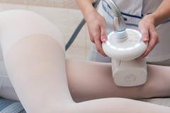 LPG和身体塑造外形的治疗在诊所 免版税库存图片