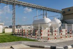 LPG存贮的钢工业汽油箱  免版税图库摄影