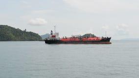 LPG-tankerschip voor vloeibaar petroleumgasvervoer dat wordt ontworpen stock footage