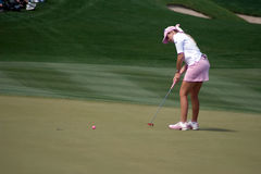 LPGA Paula Creamer putts final hole Royalty Free Stock Photography