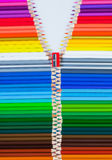 Lápis coloridos como uma camisola com zipper Imagem de Stock
