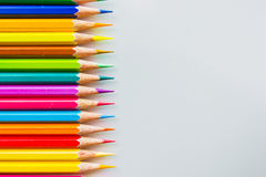 Lápis da cor sobre o fim branco do fundo acima Foto de Stock