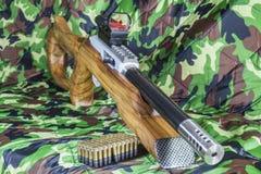 22 LR Karabiner Bolzengewehr Stockfotos