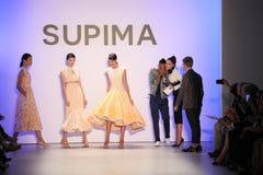 (LR) Supima-Design-Wettbewerbs-Finalist Jeffrey Taylor auf Stadium während des Supima-Design-Wettbewerbs 2016 stockbilder