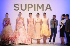 (LR) Supima-Design-Wettbewerbs-Finalist Jeffrey Taylor auf Stadium während des Supima-Design-Wettbewerbs 2016 lizenzfreies stockbild